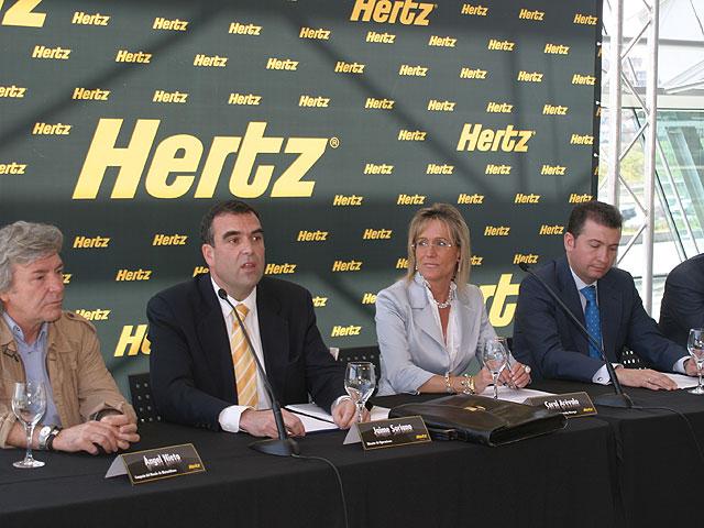 Hertz y BMW unen fuerzas