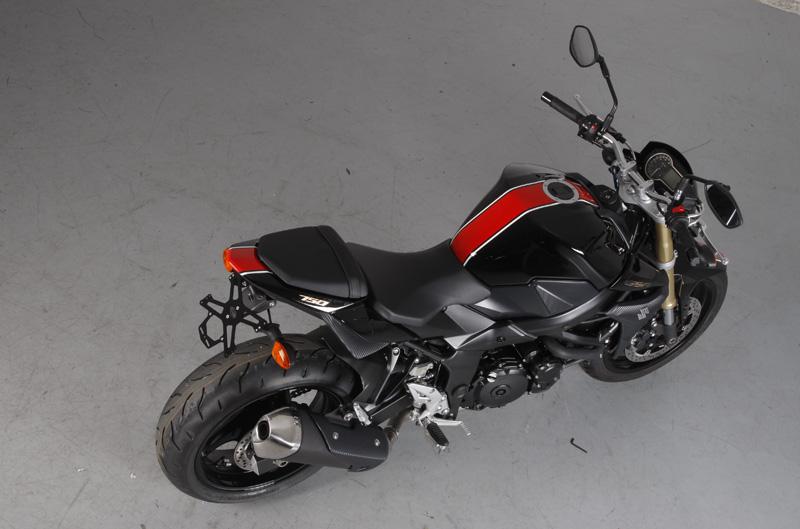 Personalizar con vinilo para la moto - Vinilos de motos para pared ...