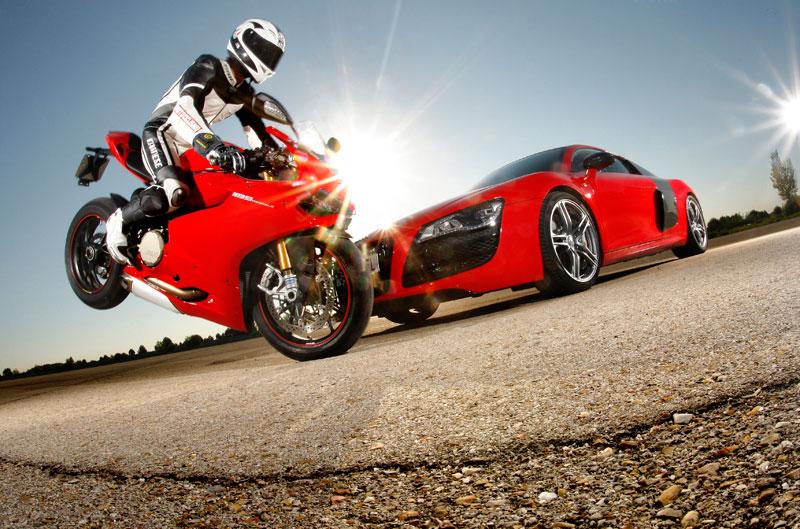 Ducati Panigale 1199 frente a Audi R8