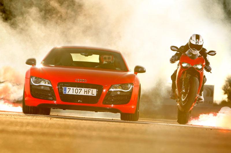 Comparativa Audi R8 vs Ducati 1199 Panigale S