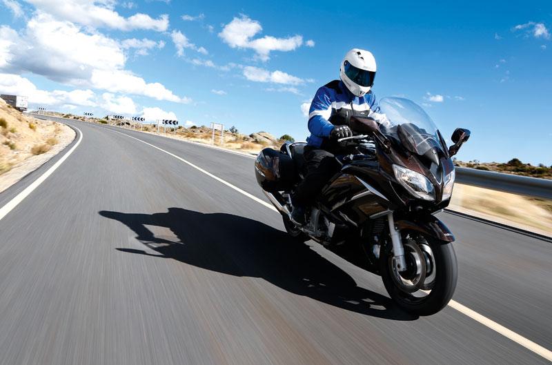 Yamaha FJR1300 y MV Brutale 675