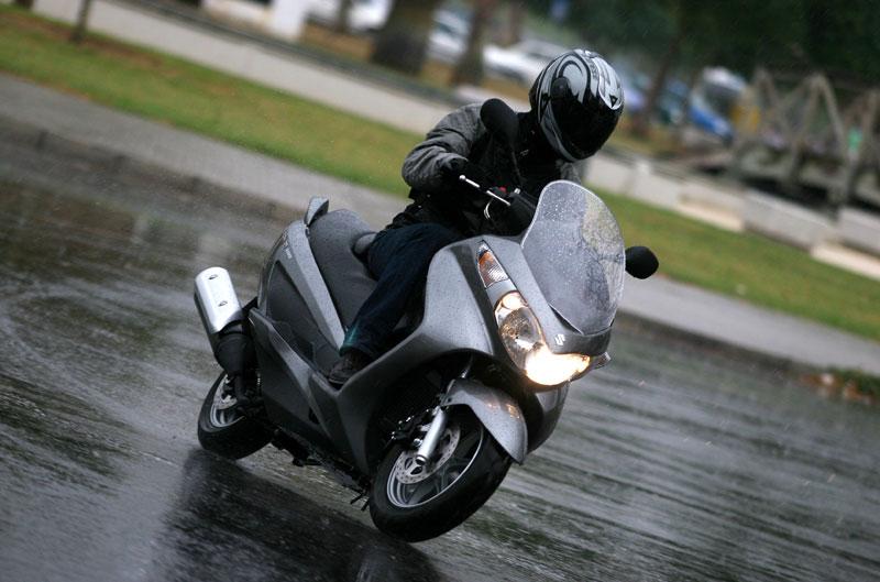 Encuesta de la semana: En moto bajo la lluvia