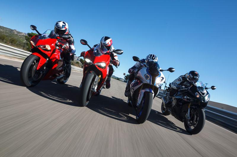 Comparativa Superbike y Oasis Motociclismo CEPSA