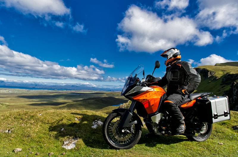 Concurso Moto del Año y avance del Salón de MIlán