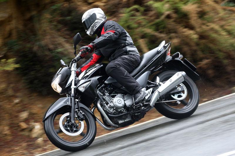 Primera prueba: Suzuki Inazuma 250
