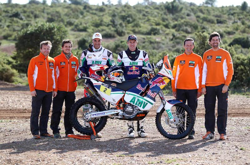 Marc Coma y Joan Pedrero descubren los colores de sus monturas para el Dakar 2013