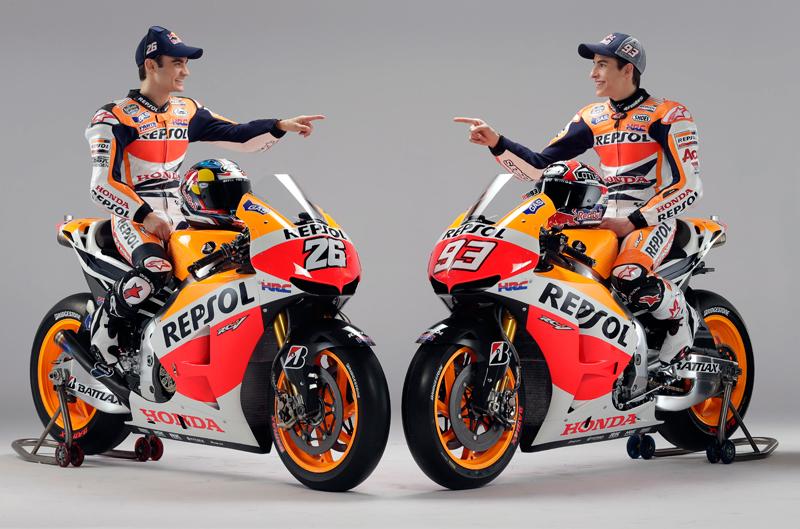 Dani Pedrosa y Marc Márquez muestran sus nuevas Honda de MotoGP