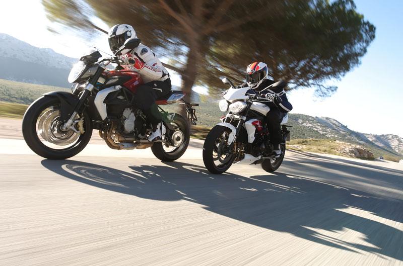 Comparativa naked deportivas y equipo HRC-Repsol MotoGP