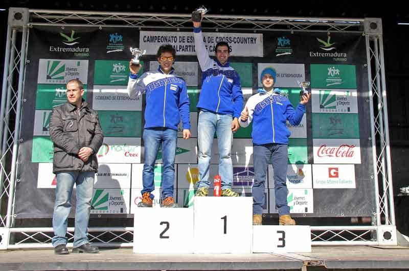 Oriol Mena vuelve a ganar en Cross Country