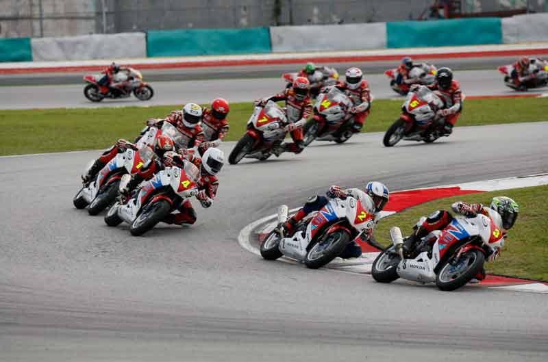 La Federación Catalana de Motociclismo presenta la Copa Honda CBR250R