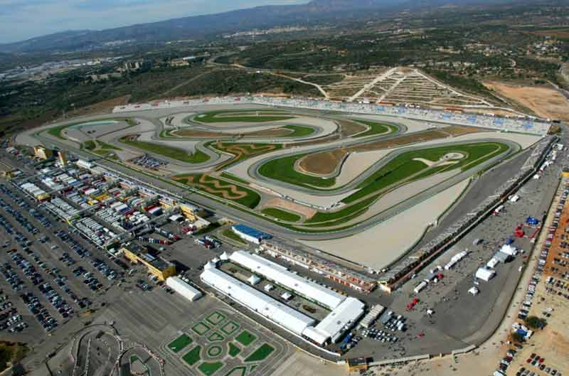 Comienzan los entrenamientos oficiales de Moto2 y Moto3 en Valencia