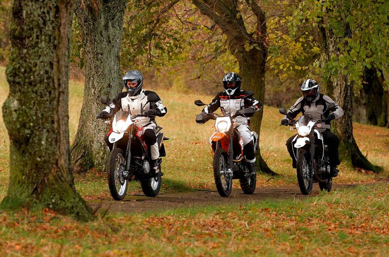 Comparativa trail monocilíndricas: Husqvarna, KTM y Yamaha