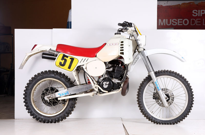 ARM 250 Oficial F.Gil ISDE 1985