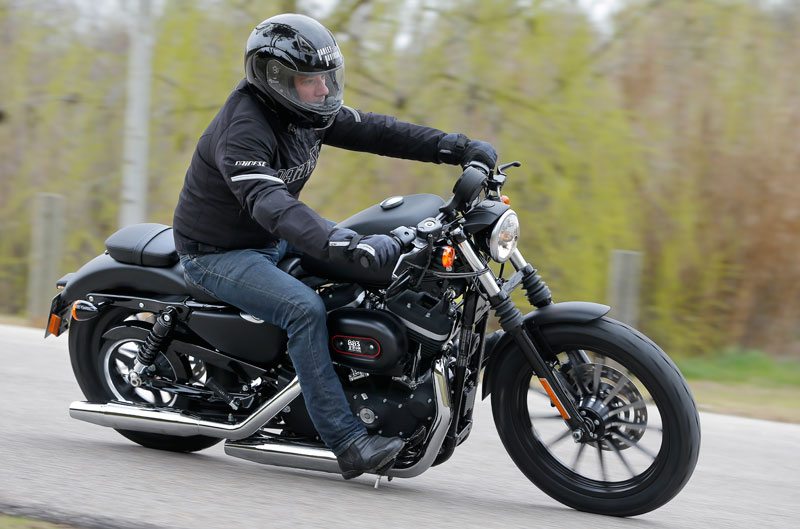 Harley-Davidson Iron 883 Dark Edition
