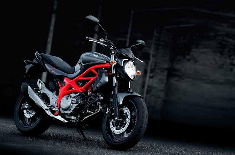 Consigue la centralita carnet A2 con la Suzuki Gladius
