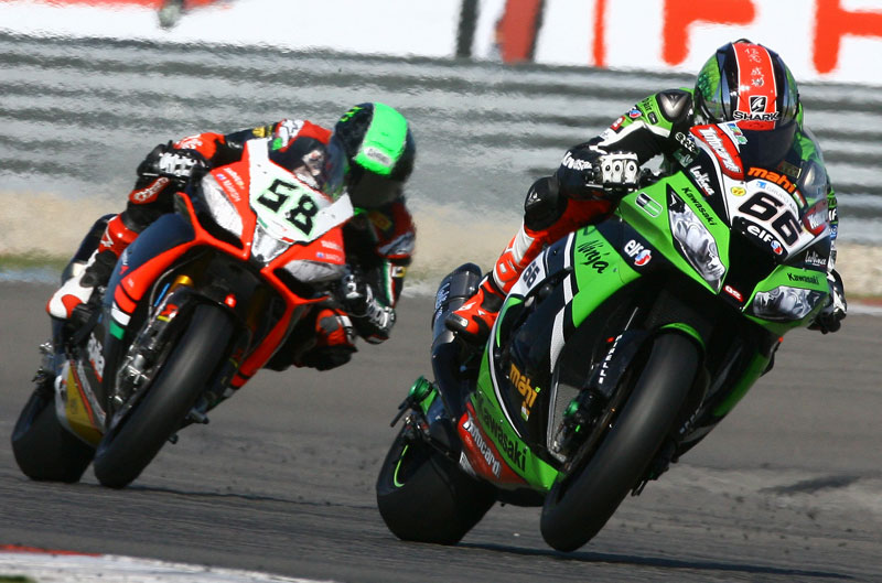 Tom Sykes y Eugene Laverty ganan en Assen