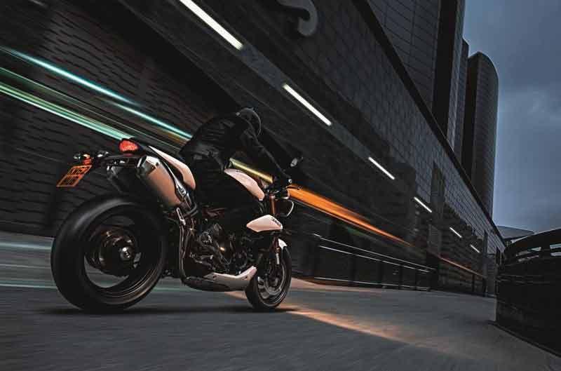 Ahorra en tu nueva moto con Triumph Extra
