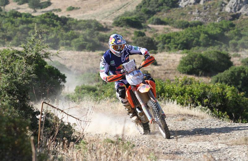 Marc Coma lidera el rally de Cerdeña
