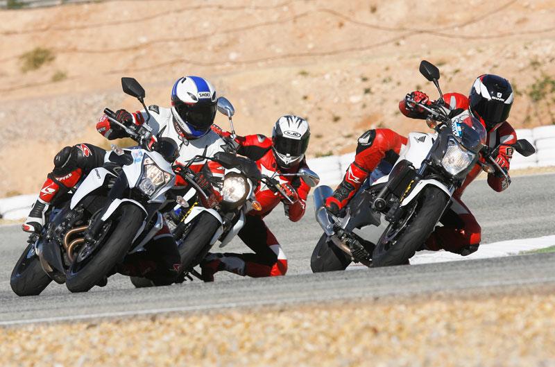Comparativa motos naked en circuito
