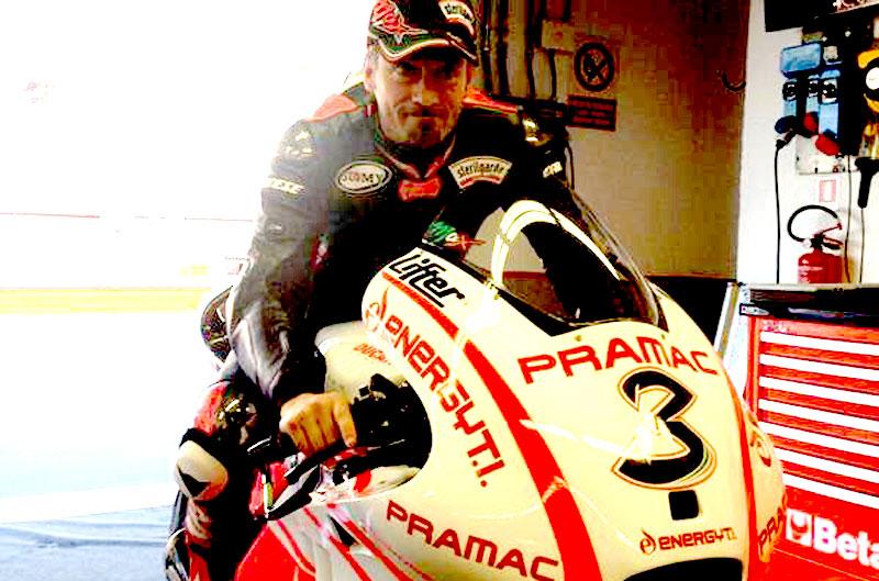 Max Biaggi prueba la Ducati Desmosedici en Mugello