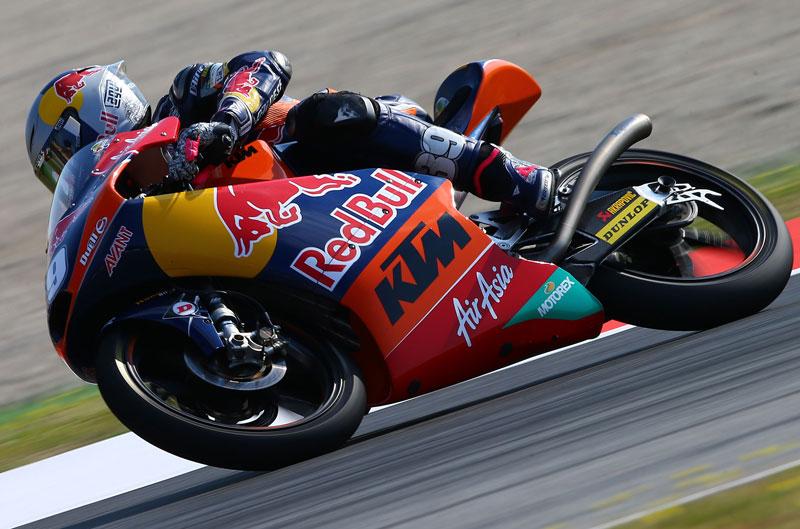 Luis Salom gana en Moto3 y se pone líder