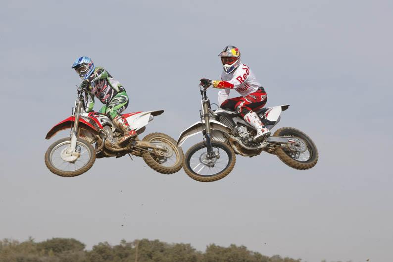 Comparativa MX 450 2013: Honda y Yamaha.
