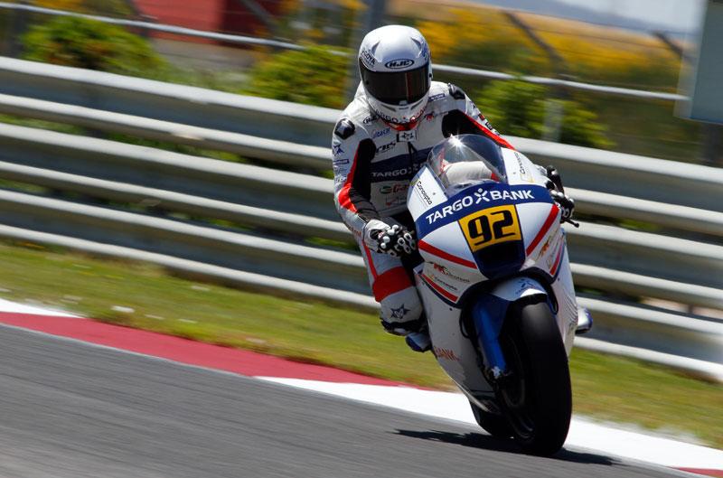Mariñelarena gana en el espectáculo de Moto2
