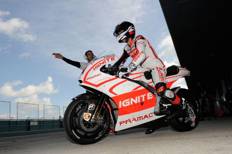 Alex De Angelis con la moto de Spies en Laguna Seca