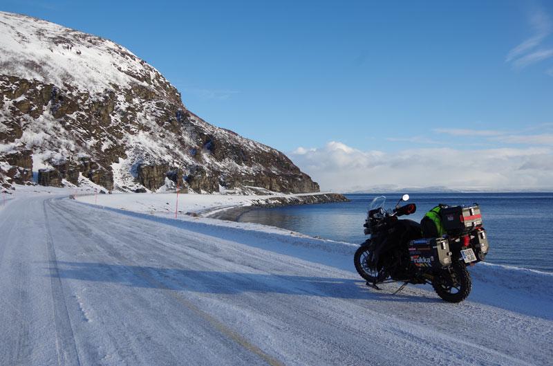 Pioneros en Cabo Norte en invierno