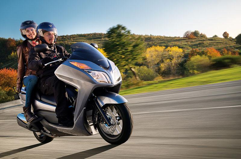 La Honda Forza 300 ya está dispobible