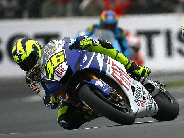 Rossi toma el mando