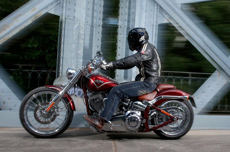 Prueba Harley-Davidson Breakout CVO