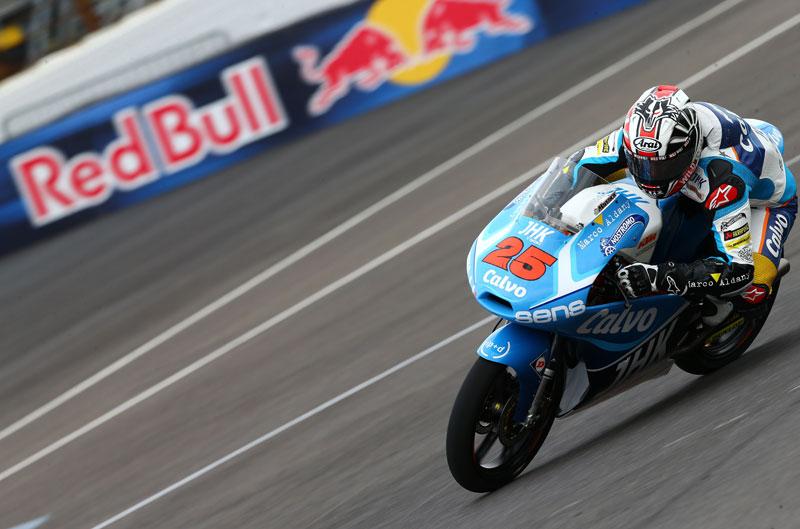 Maverick Viñales, primero en el FP1 de Moto3