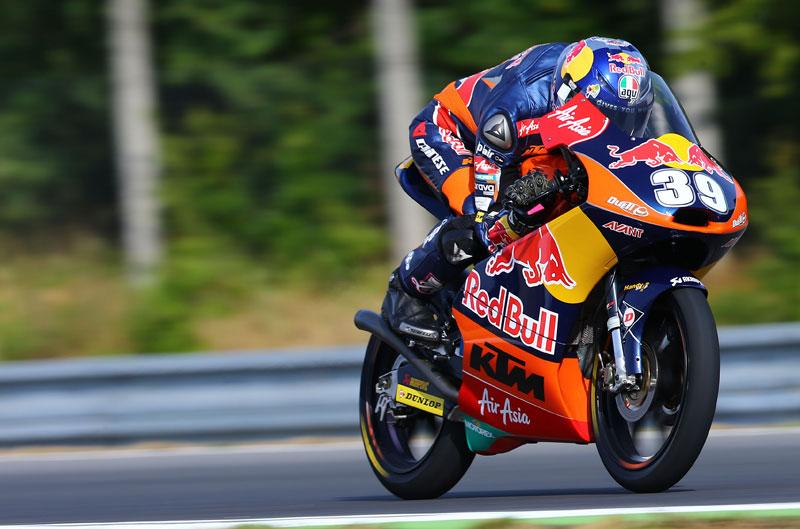 Luis Salom se impone en una carrera épica de Moto3 en Brno