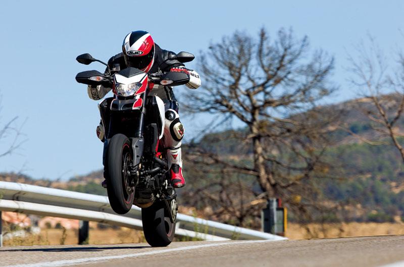 Los secretos de Márquez, novedades Suzuki, Ducati Hypermotard SP, CEV Navarra, al cole en moto, la Triumph más rápida