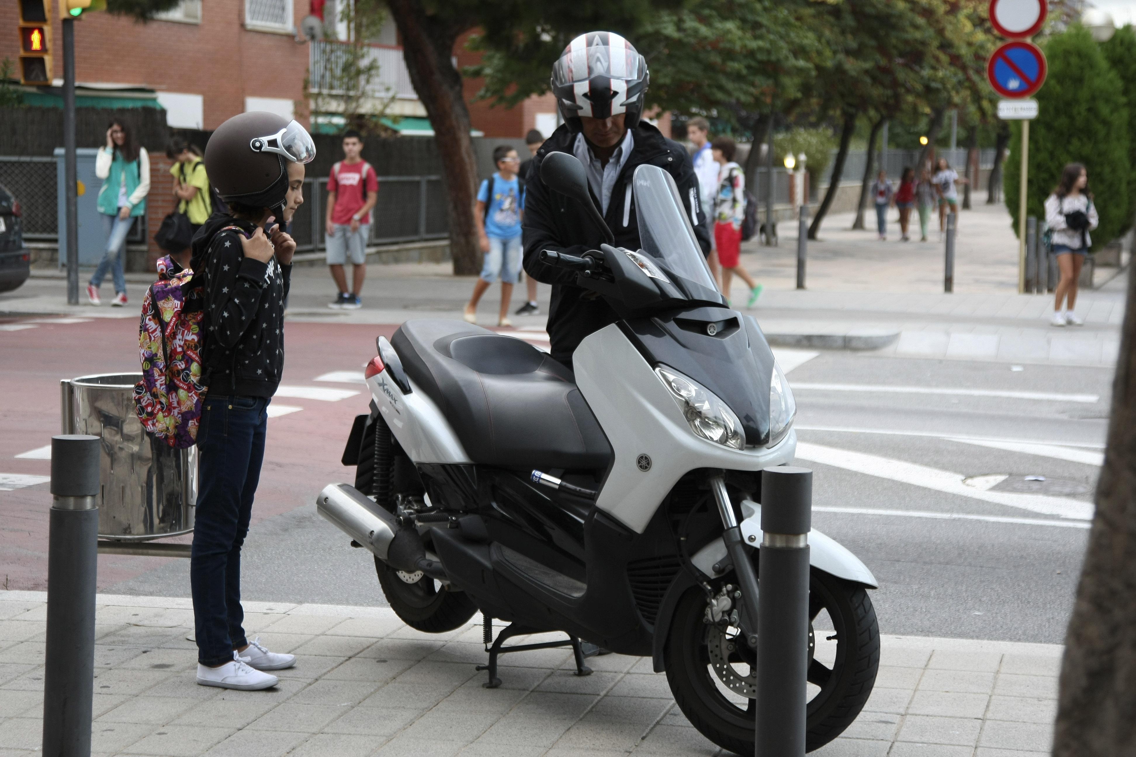 Al cole en moto