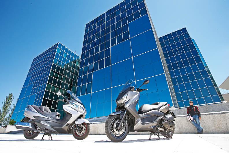 Comparativa Yamaha Xmax y Suzuki Burgman 400