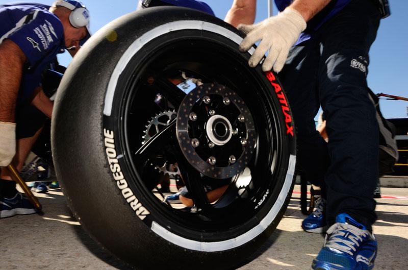 MotoGP y Moto2 cambian sus planes de carrera por los neumáticos