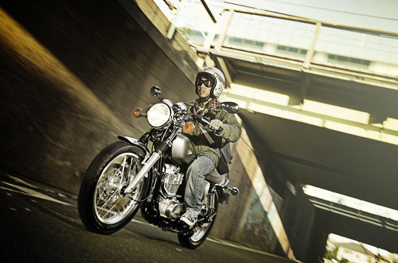 Nueva Yamaha SR400