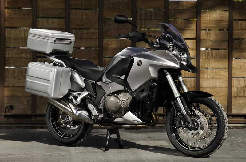 Honda Crosstourer con maletas y top box de regalo