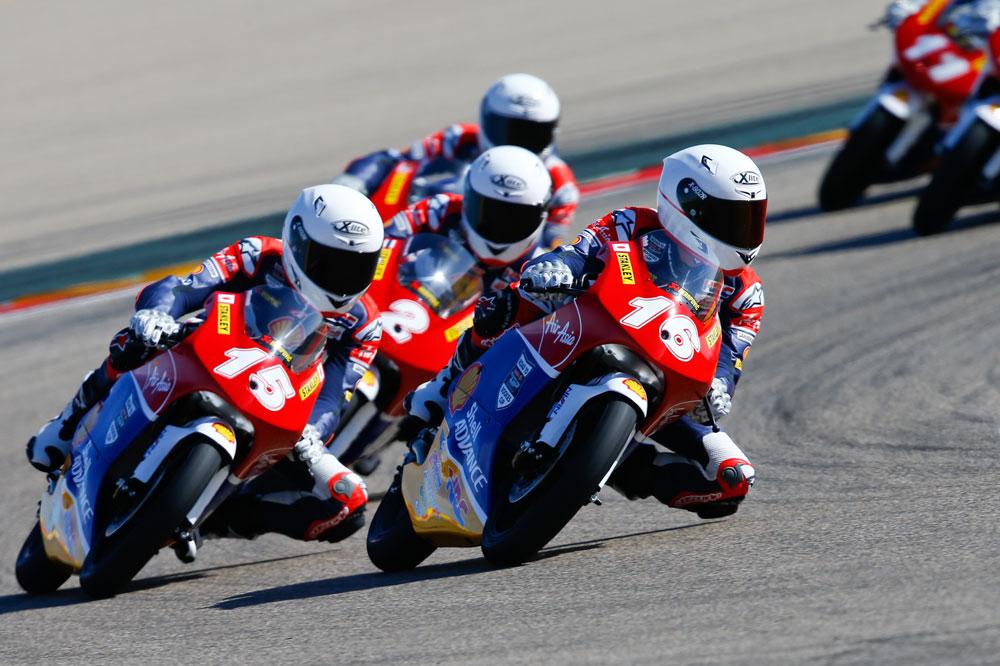 Los pilotos de la Asia Talent Cup entrenan en Aragón
