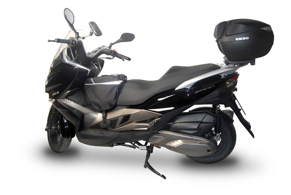 Equipa la Kawasaki J300 con accesorios Shad