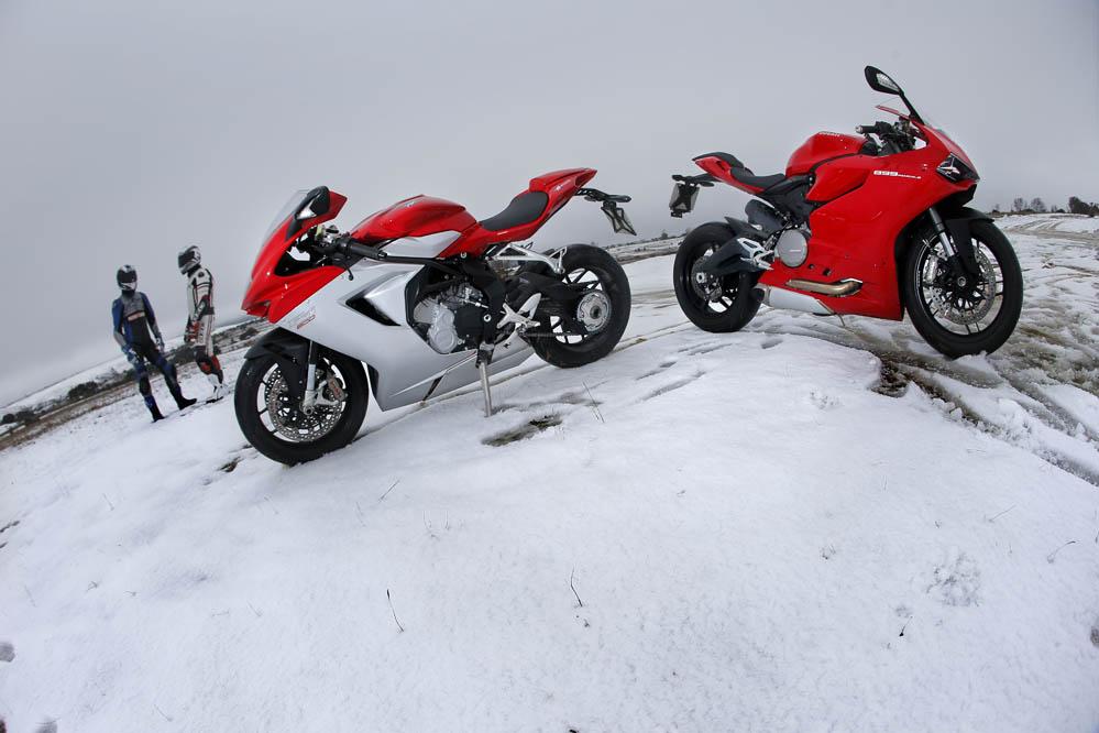 Comparativa: Ducati 899 Panigale - MV Agusta F3 800.