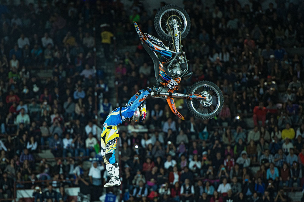 Dany Torres sube al podio en el Red Bull X-Fighters de México