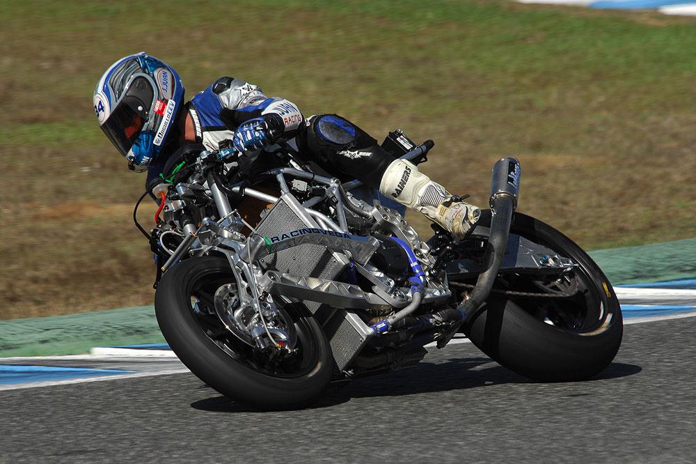 Probando La Moto2 en Jerez