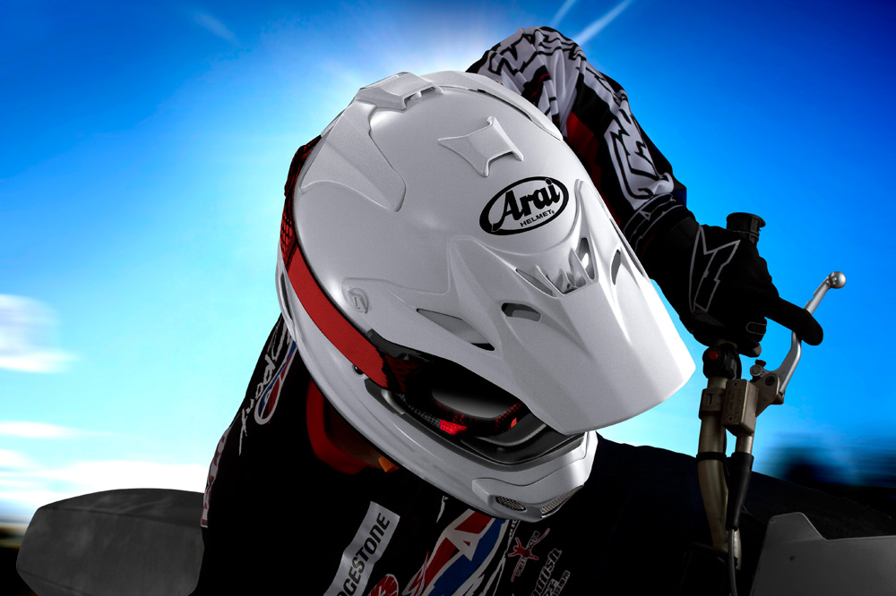 Casco Arai MX-V para cross y enduro