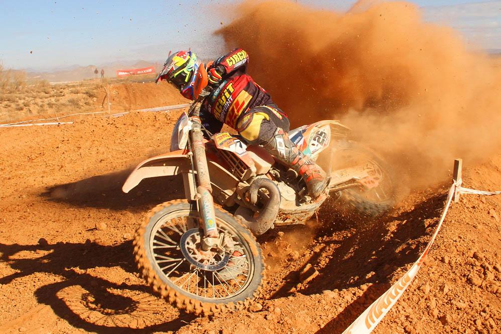 Iván Cervantes triunfa en la primera prueba del Nacional de Enduro