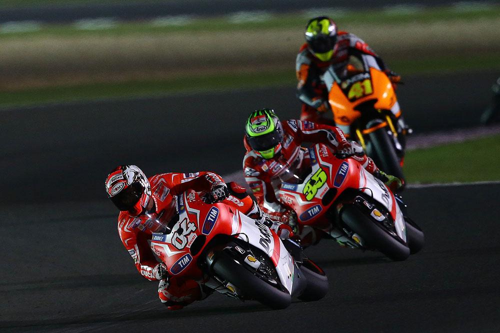 Andrea Dovizioso y Cal Crutchlow prueban la Desmosedici en Jerez