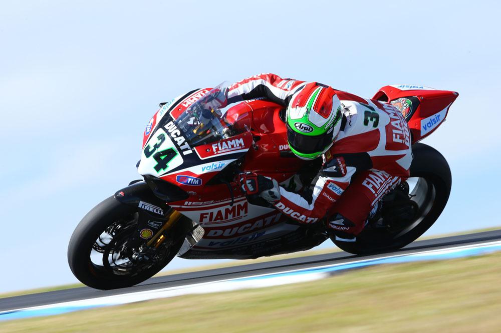 Davide Giugliano encabeza la primera jornada de test en Jerez
