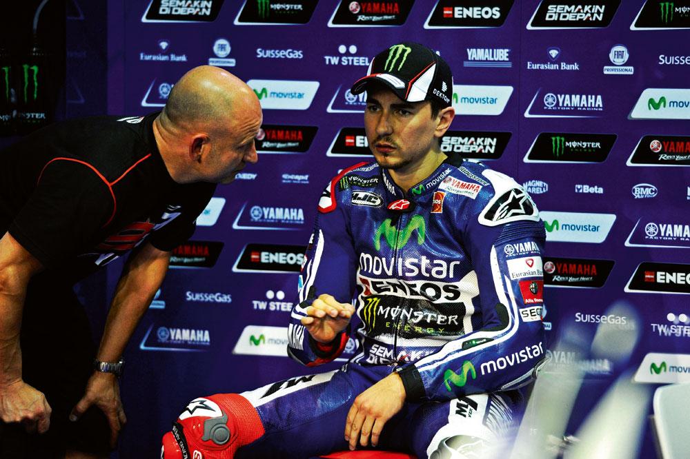 Carlo Pernat: La seguridad de Lorenzo se ha venido abajo al ver a un Rossi competitivo